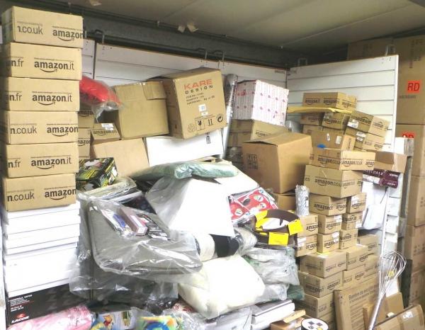 Stock da 383 articoli assortiti per la casa coperte - Utensili casa ...