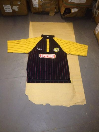 kent readers cricket shirt  small x 15  medium x 18
