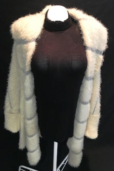 LARGE SOFT KNITTED CARDIGANS