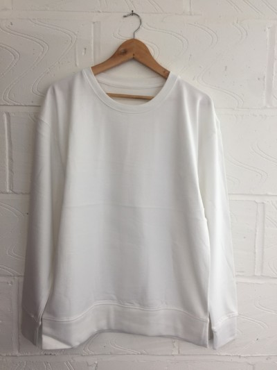 Wholesale pack of 200x blank white sweatshirts *UNISEX High qaulity soft cotton, bulk packed. Ready for print.   Sizes - Medium  Fabric: 200% Cotton