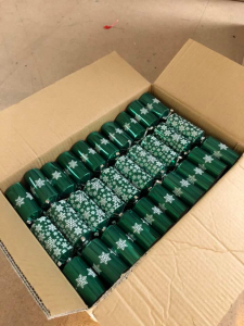 "Pallet of 3000 11"" Premium Green Catering Christmas Crackers"