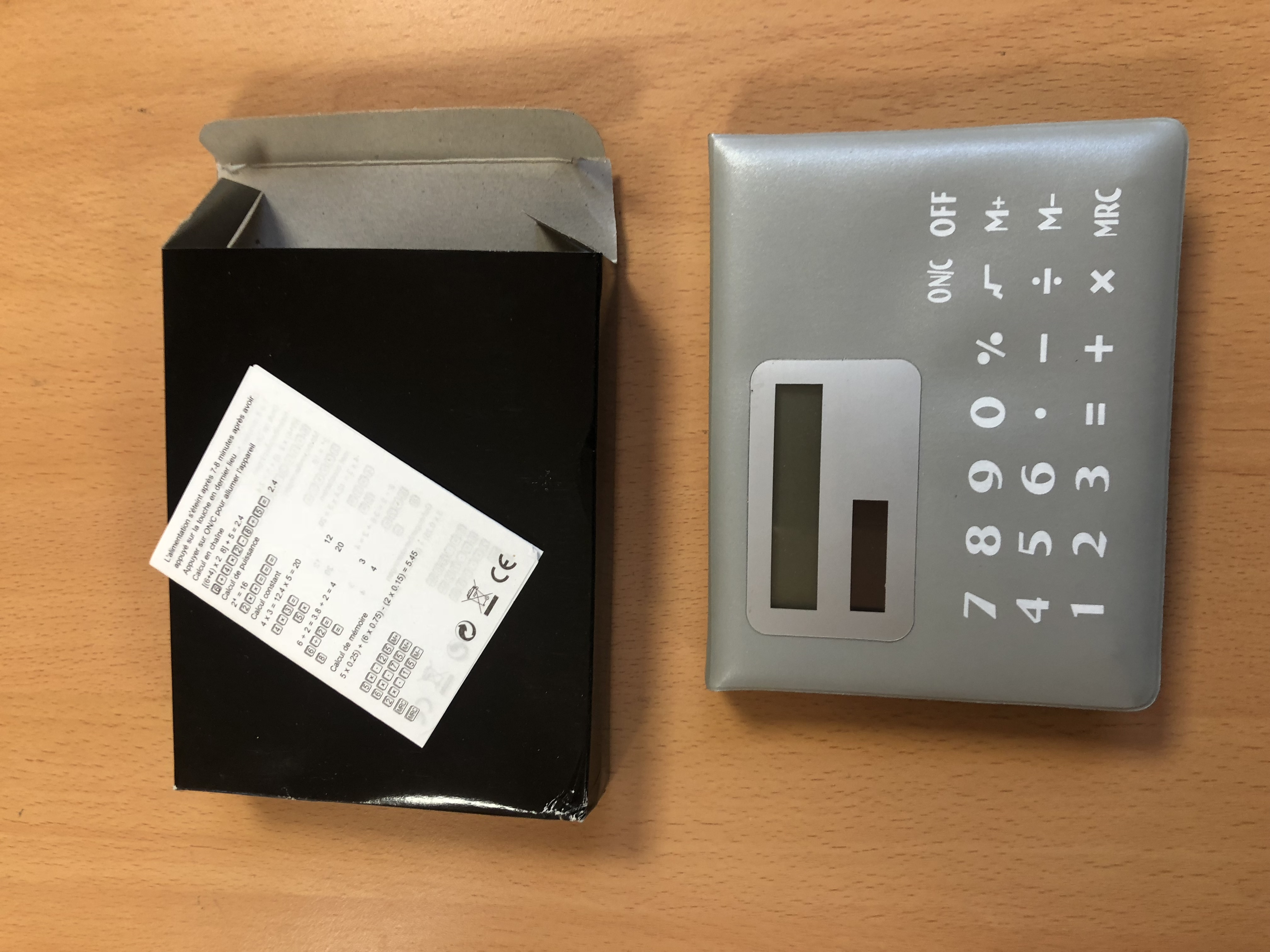 Calculator with Built In Sticky Notes - Quality Item - 48 Units per Lot / 1 Lot Available