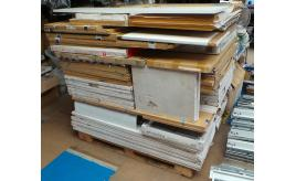 Pallet of 178 Mixed Kitchen Doors, Drawer Packs, Wall Cabinets & More