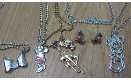 60 items of genuine Disney jewellery. Pendants and earrings. Minnie mouse Bambi.