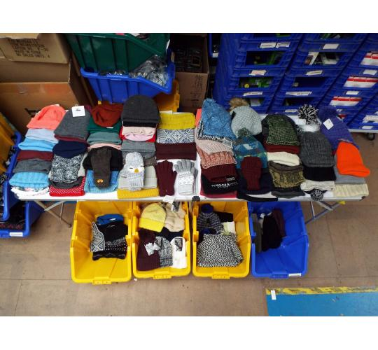 One Off Joblot Of 129 Ladies Winter Hats, Gloves And Head Warmers