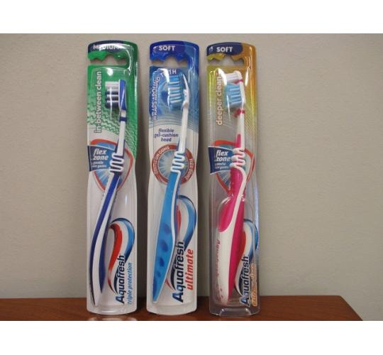 Job Lot of 144 Mixed Aqua fresh Toothbrushes 3 different types