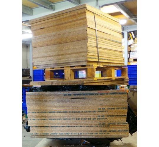 One Off Joblot of 50 Chipboard Sheets 75cm x 190cm & 75cm x 78cm