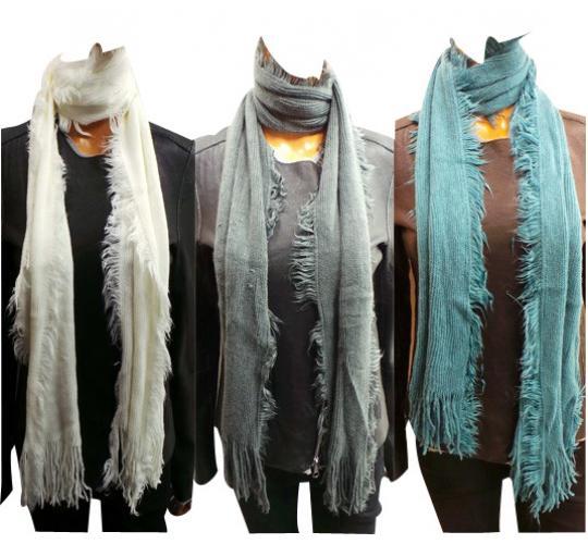 Wholesale Joblot of 24 Ladies Soft Feeling Tassel Scarves White & Grey
