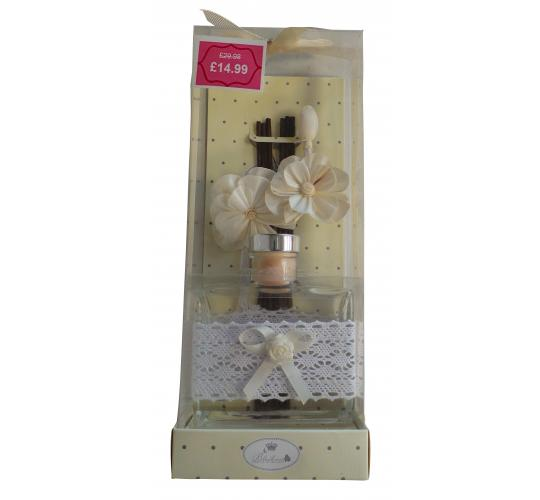 Wholesale Joblot of 10 Madame Posh 'Lenora' Floral Oil Diffusers 11244