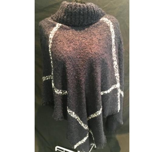 SOFT KNITTED PONCHO'S