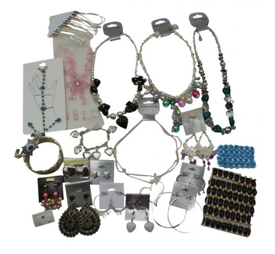 Joblot of 1000 Fashion Jewellery Mixed Necklaces, Earrings and Bracelets