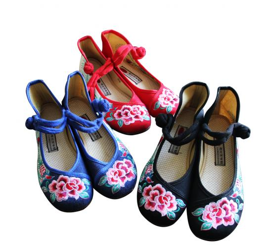 300 pair of Embroidery Shoes, Mixed colour and Size from UK3-8.5