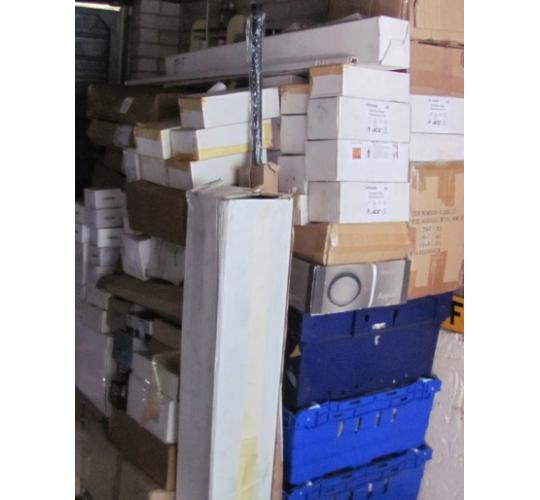 Large pallet of Interior / Exterior lighting and other DIY items.