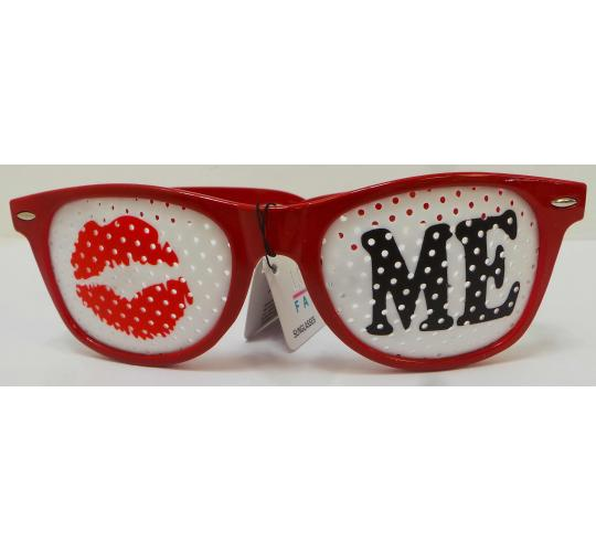 Wholesale Joblot Of 20 Kiss Me Pin Hole Red London Fashion Novelty Glasses