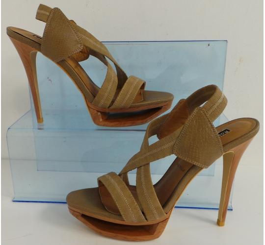 One Off Joblot of 7 Roberta Farc Caprice Taupe Wooden Stack Platform Heel