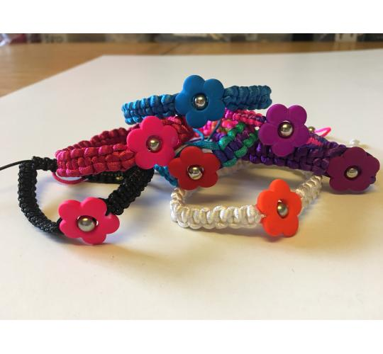 Wholesale Joblot Of 50 Flower Braided Bracelets In 7 Colour Variations