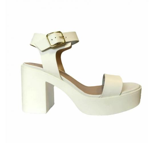 100Pairs of Ex High Street Ladies Block Heel Shoes Off White