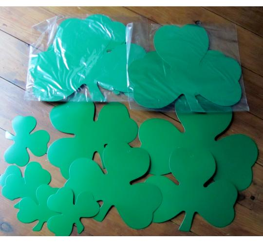100 packs of 9 Shamrock cut outs 13cm-30cm