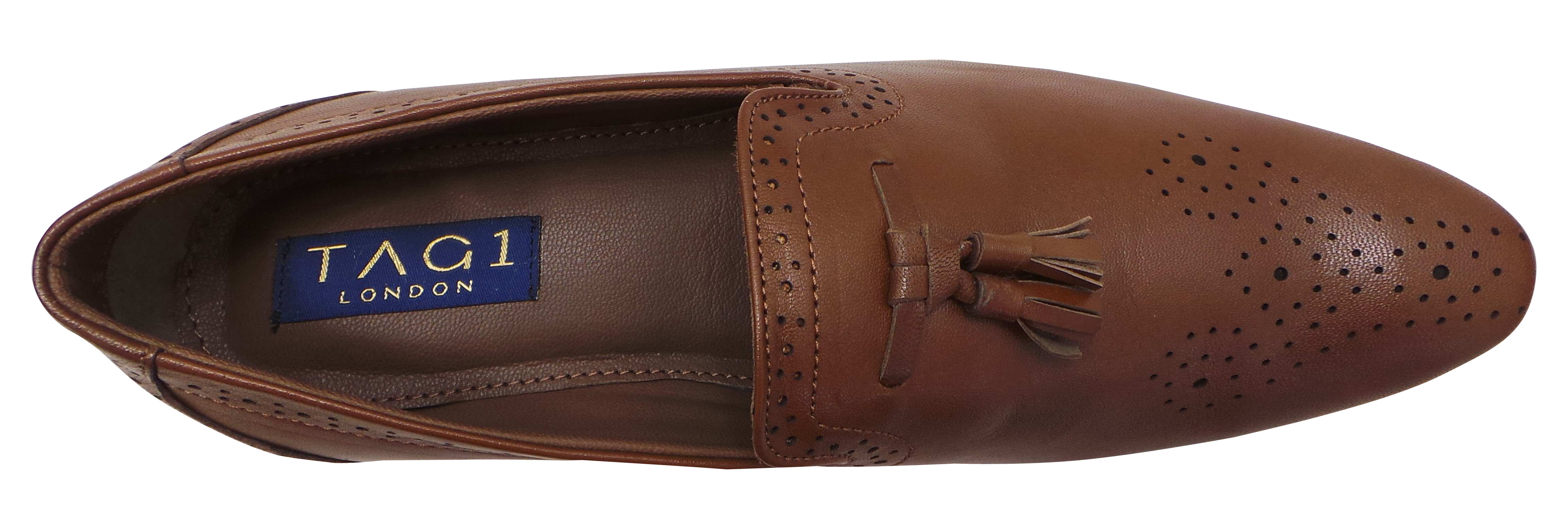 Made of genuine leather with a padded insole and flexible man-made sole for all-day comfort. Imported. Women's 1/2 whole and half sizes; 10, 11 whole sizes; M, W widths/5(59).