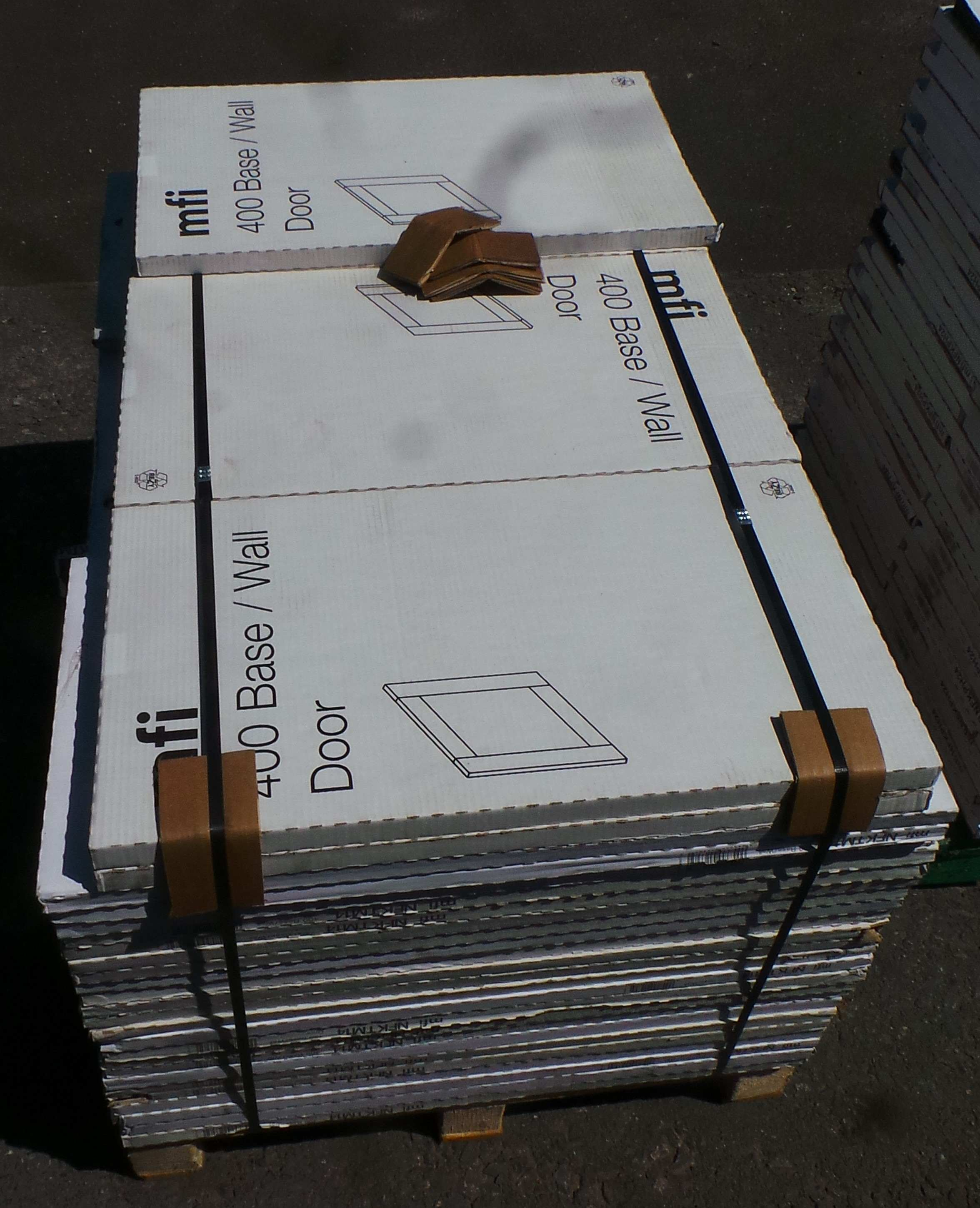 One Off Joblot Of 77 MFI 400mm Kitchens Slab Base/Wall Door