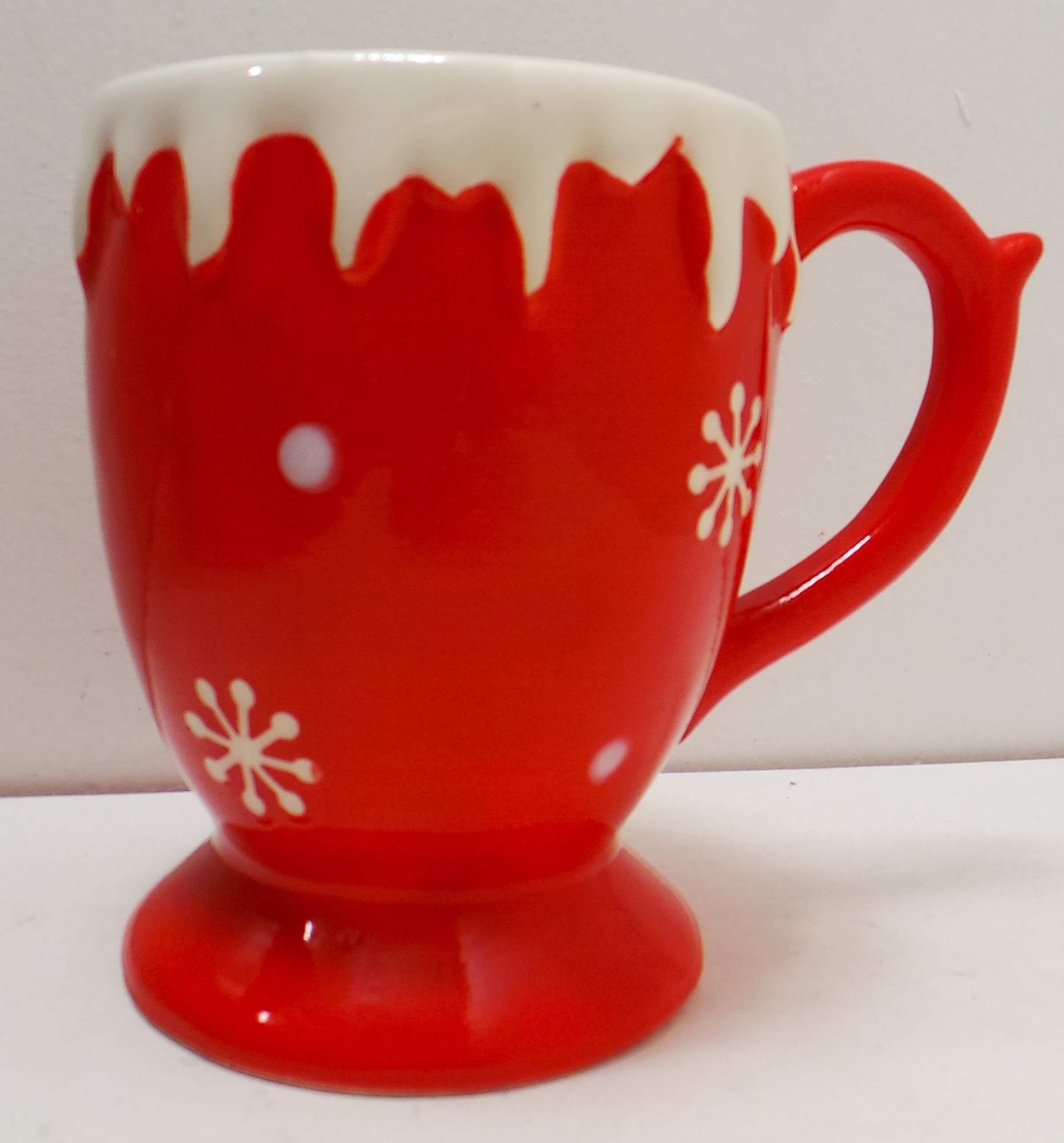 one off joblot of 27 madame posh 39 snow 39 christmas mugs red. Black Bedroom Furniture Sets. Home Design Ideas